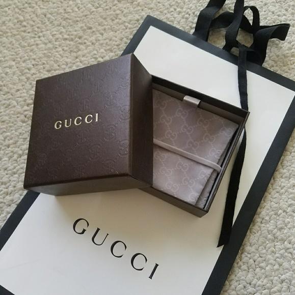 68a36473e1e Gucci Accessories - Gucci Gift Box
